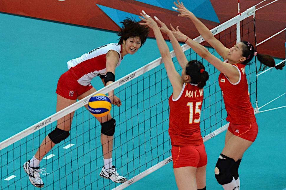gooトップページで、快適なインターネット生活を始めよう! Volleyball players