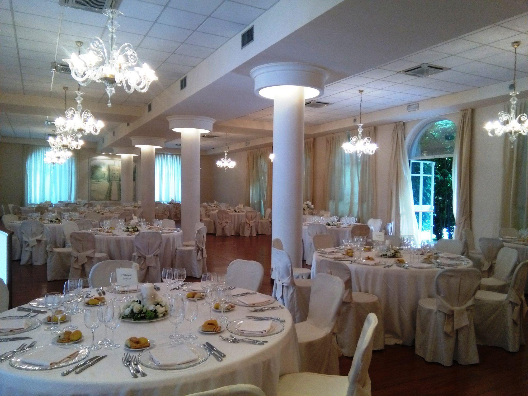 Matrimonio Country Chic Lago Di Garda : Eventi aziendali e cerimonie sul lago di garda villa la