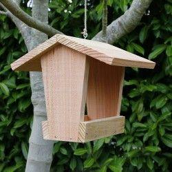 mangeoire oiseaux plateau couverte mangeoire graines pour oiseaux du jardin fabrication. Black Bedroom Furniture Sets. Home Design Ideas