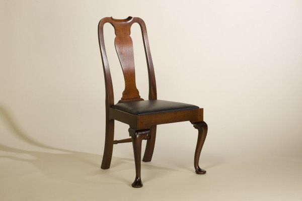 Great Handcrafted Queen Anne, Chippendale And Philadelphia Style Early American Reproduction  Chairs