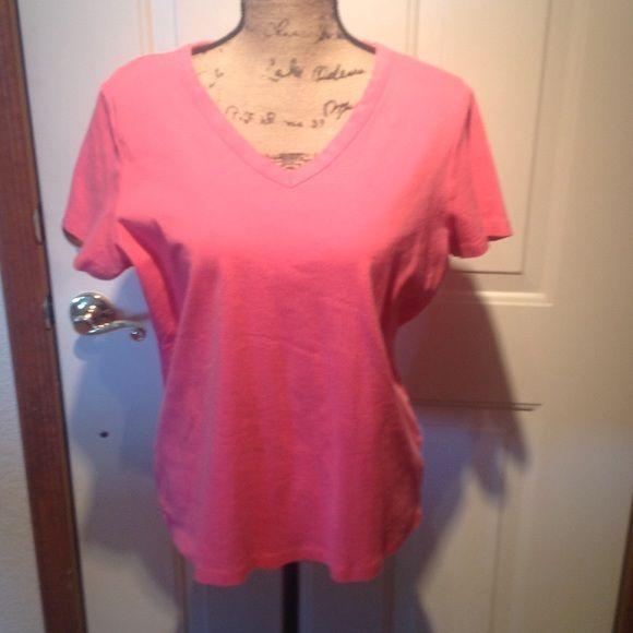 Lands' End V-neck T-shirt Lands' End pink short sleeve v-neck t-shirt Lands' End Tops Tees - Short Sleeve