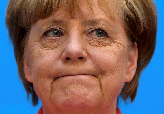 Merkel erkent fouten in vluchtelingenbeleid