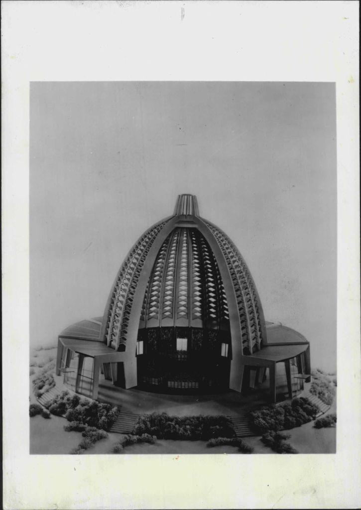 Model for the German Baha'i house of worship, mid century design Baha'i style!
