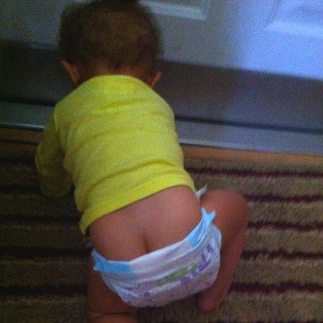 Lol.. Baby butt crack | Hahaha. | Pinterest: https://www.pinterest.com/pin/26810560251921791/