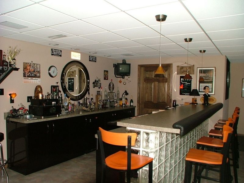 Beechwood finished basement bar