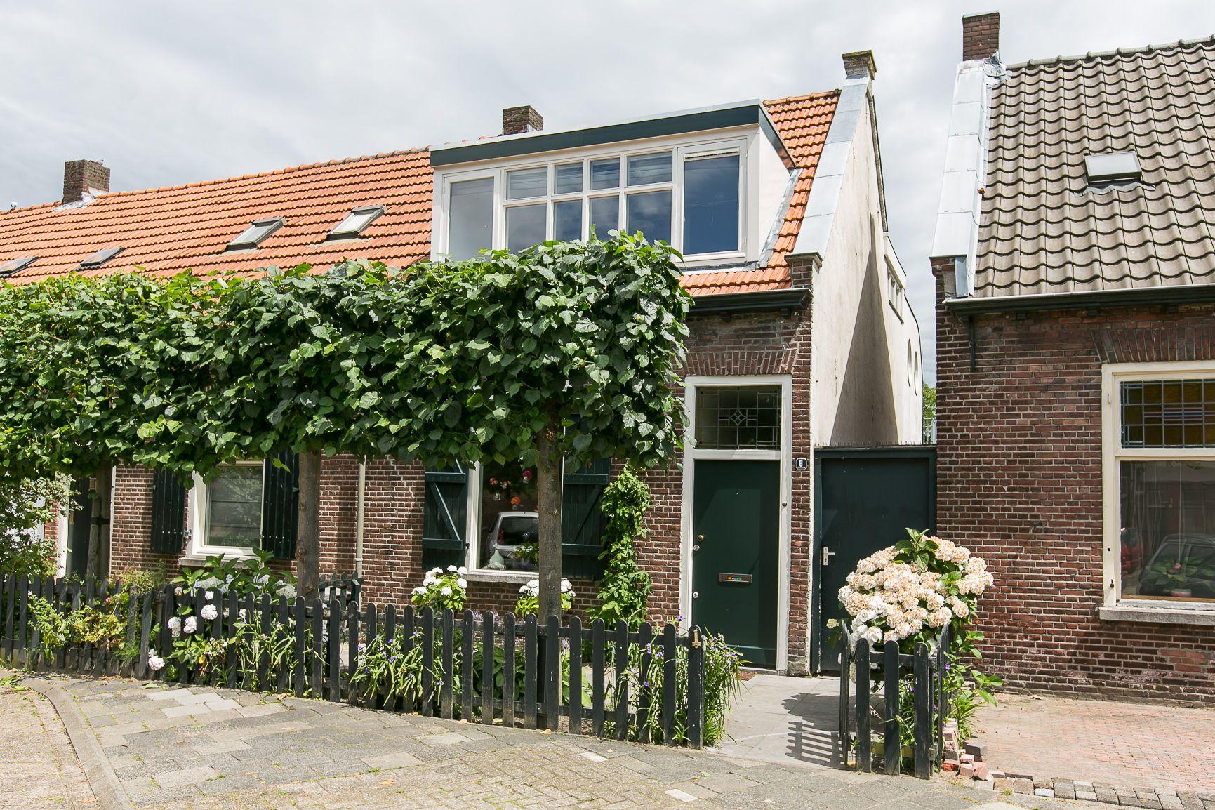 Pastoor Sprongstraat 8 te Tilburg