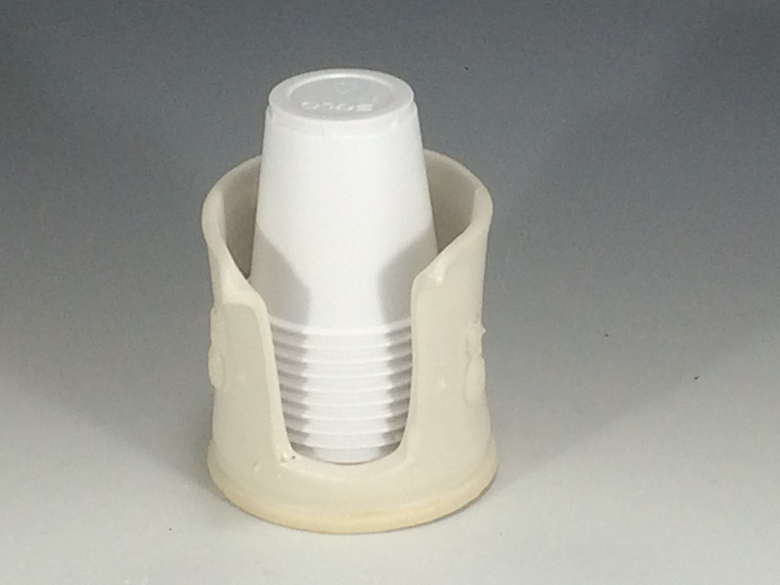 3 Ounce   Handmade Pineapple Embelished Bathroom Cup Holder (3 Oz) In Matte  White