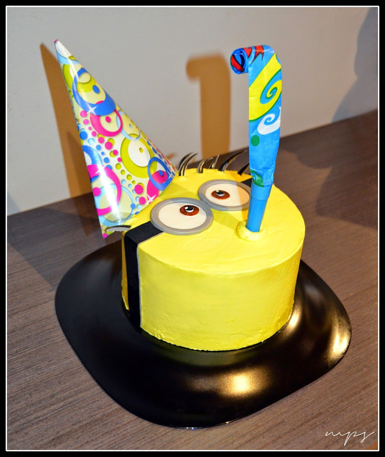 Más Que Cupcakes: Tarta Minion
