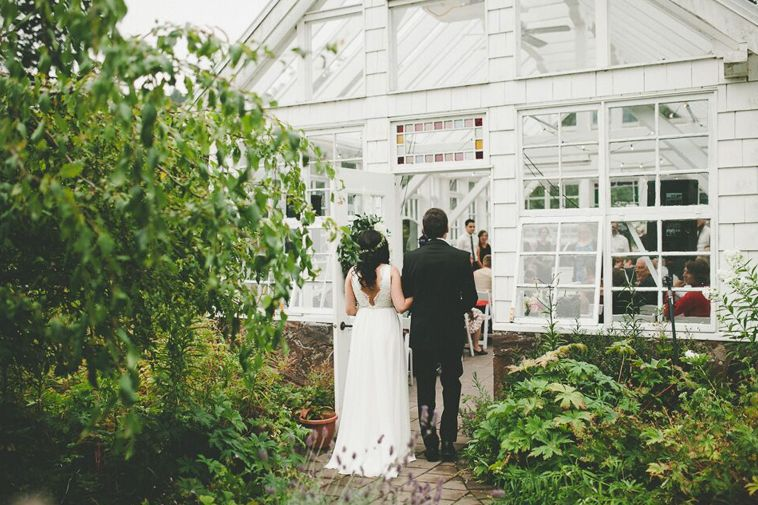 The Sweetest Greenhouse Wedding You Ve Ever Seen At Starling Lane Vineyard Greenhouse Wedding Wedding Garden Venue
