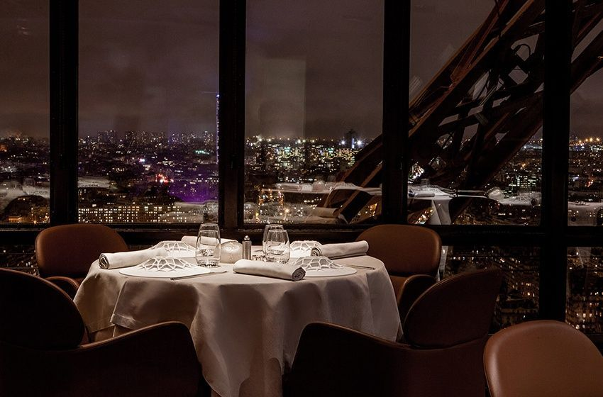 Read Le Jules Verne Paris France The World S 10 Best Restaurants With A View Views Restaurant Dining