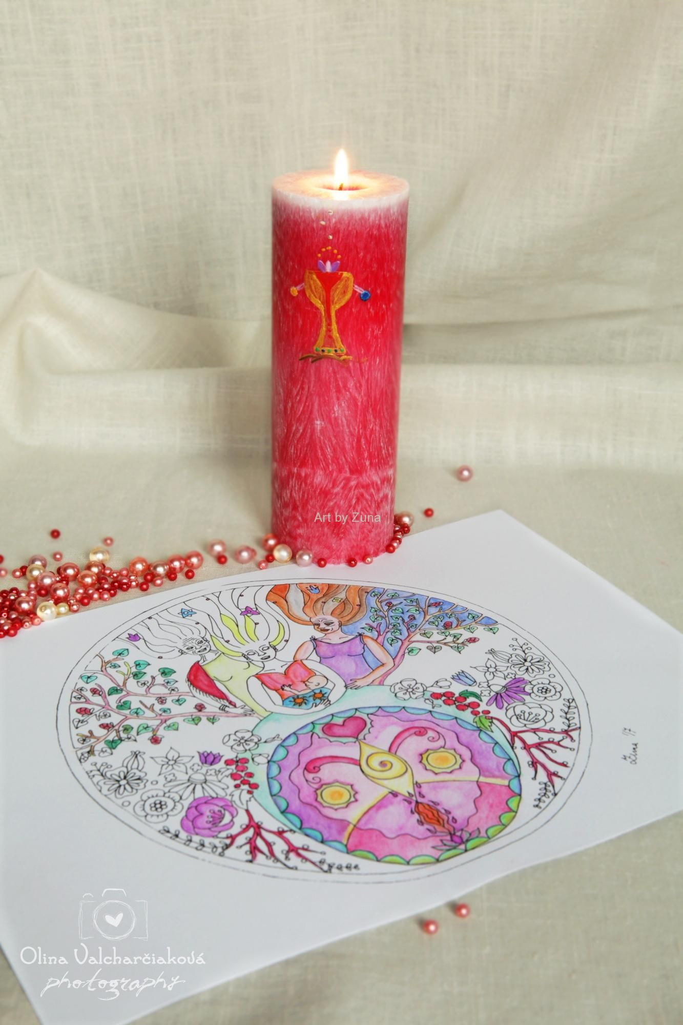 https://www.zunashop.sk/Menarche-balicek-d23.htm  magic candle with colouring sheet,
