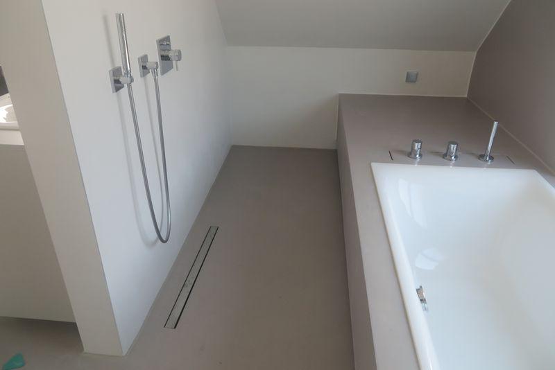 Spachtelboden Dusche  Badezimmer  Bad Badewanne mit dusche und Fugenloses bad