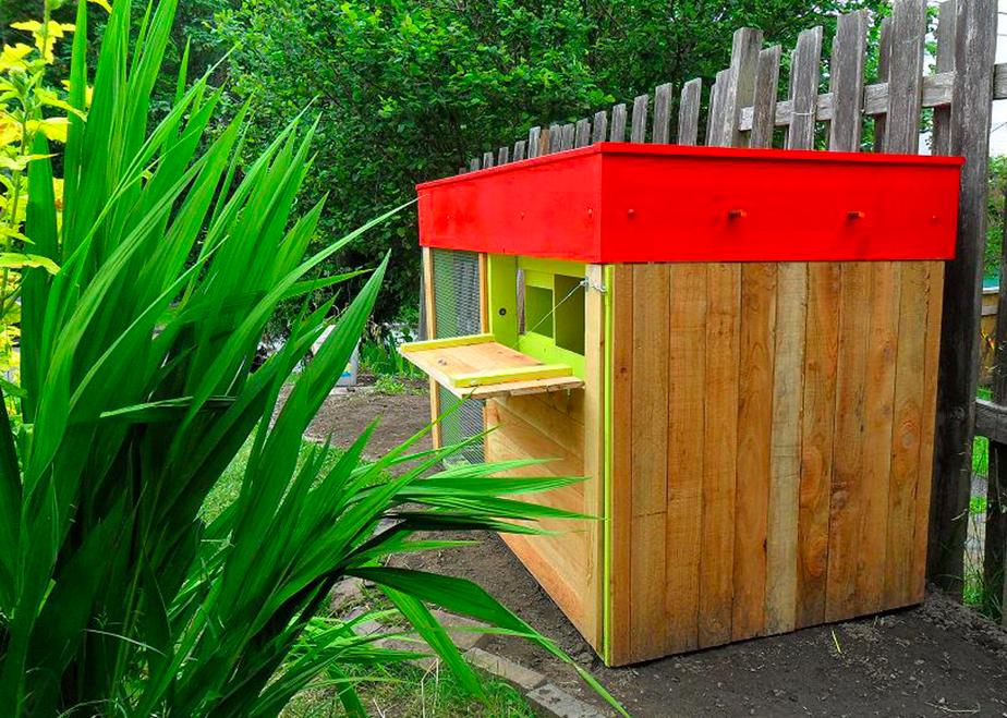 Kippen house chicken coop i like the bright interior homestead chicken coop shed jardins - Baraque de jardin ...