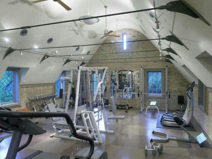 Convert a barn or garage to gym for the home building