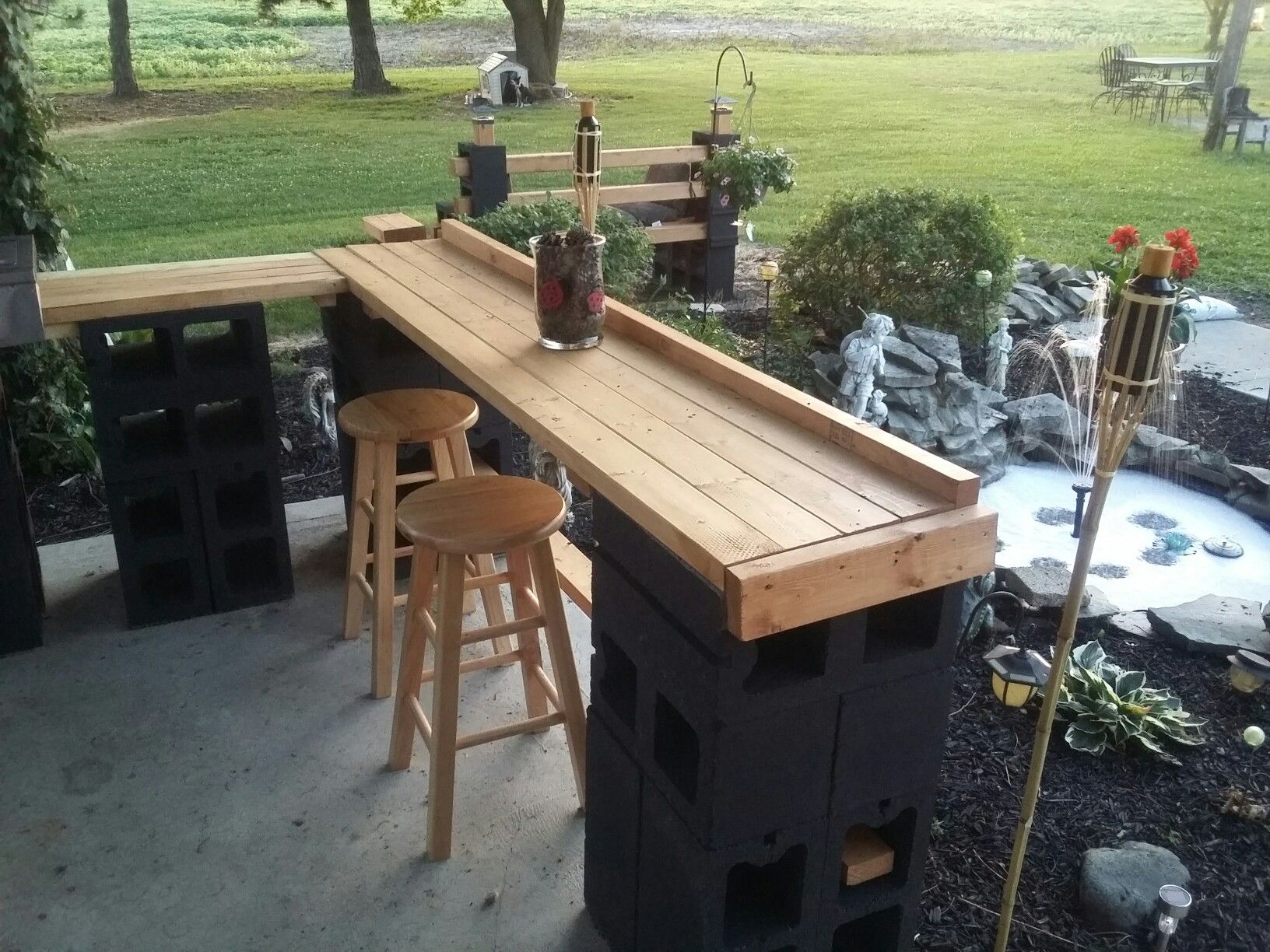 Cinder block patio bar janice lininger bar pinterest for Wood outdoor bar ideas