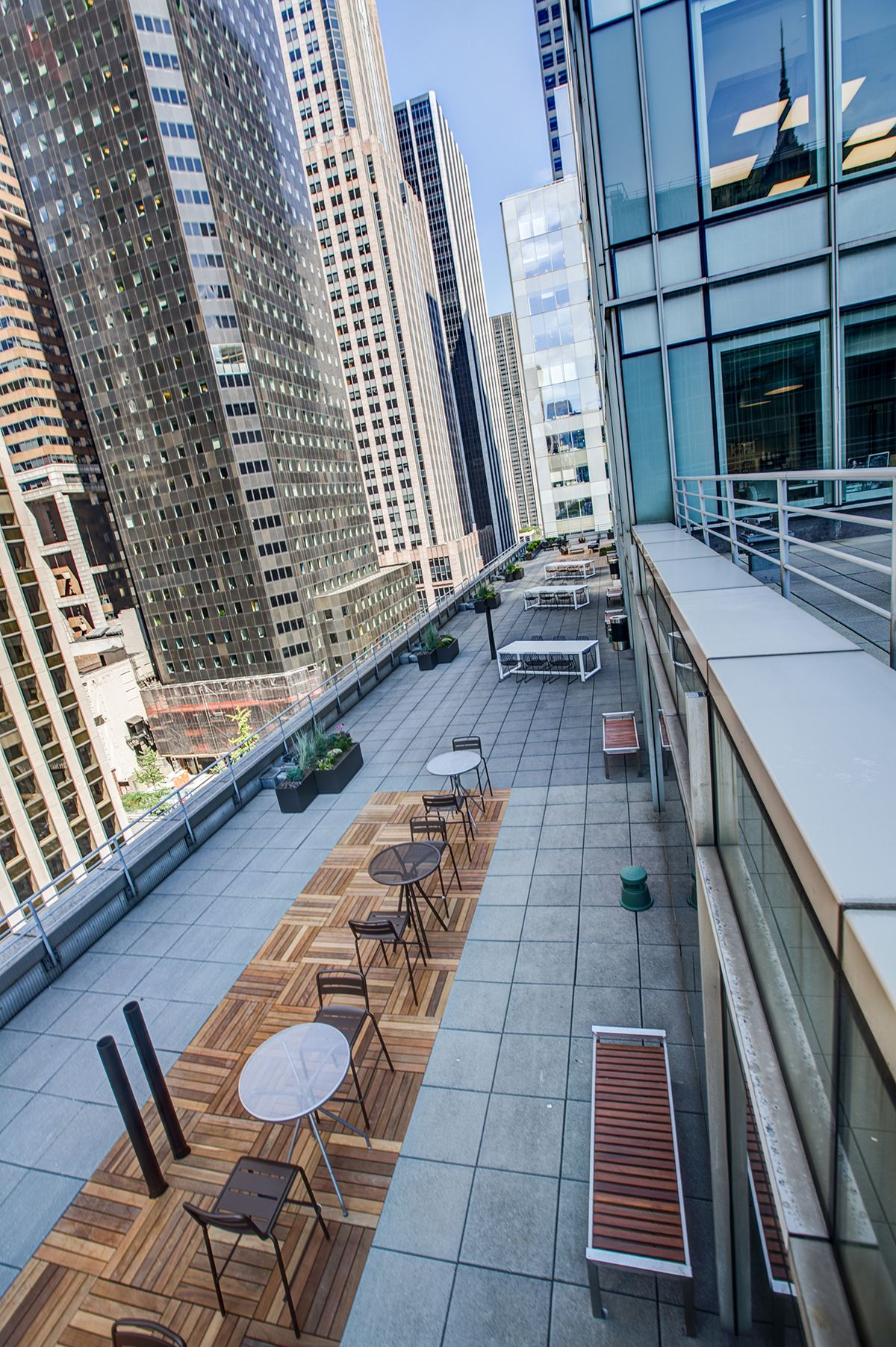 A Tour Of Indeed S New Nyc Office Terrace Design Modern Lodge Terrace