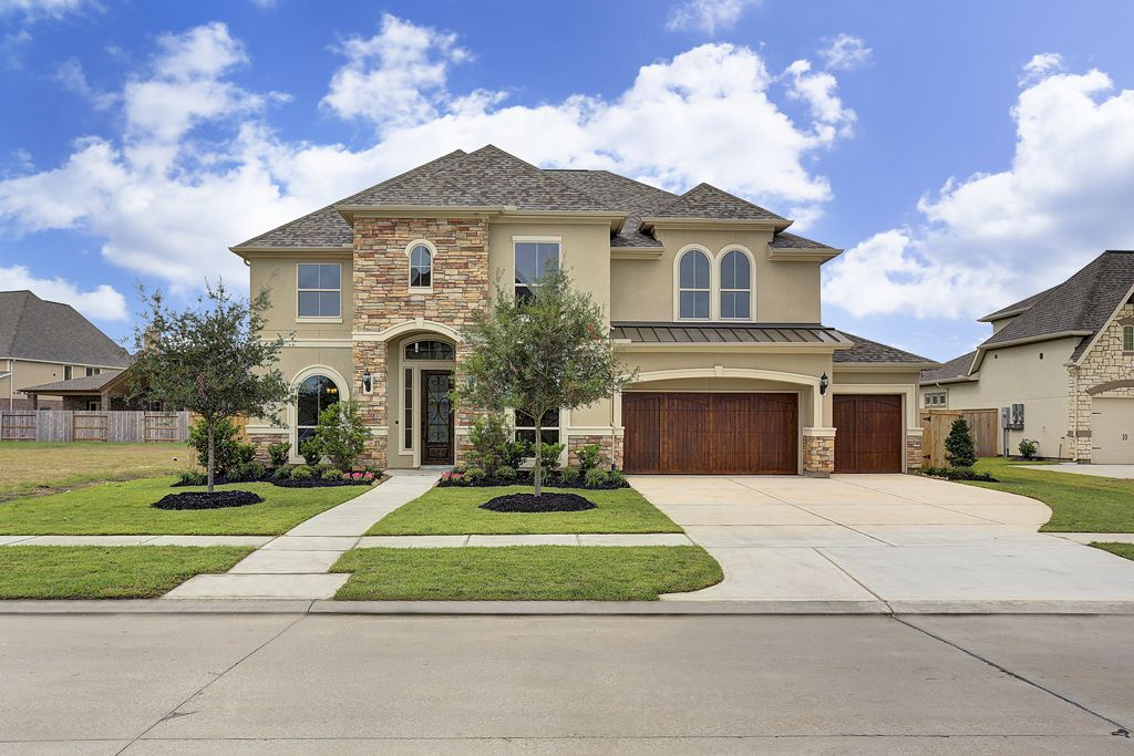 Luxury Homes Custom Home Builder