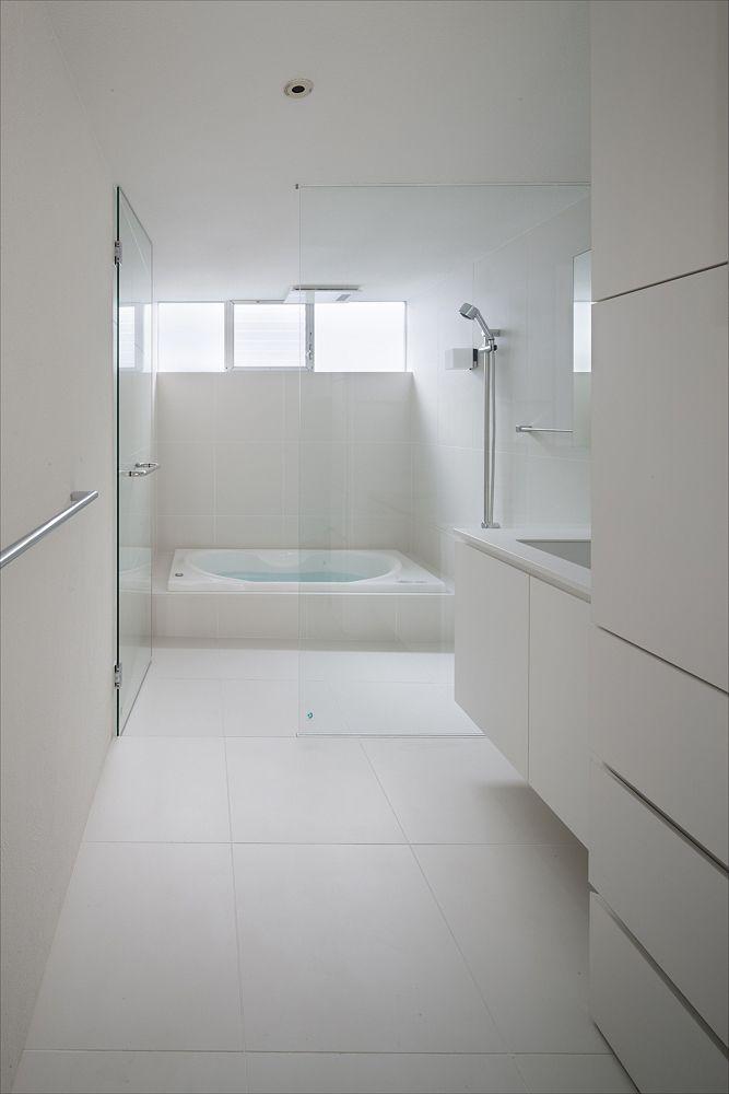 Frame Uid 2019 白いバスルーム モダンバスルーム 夢のバスルーム