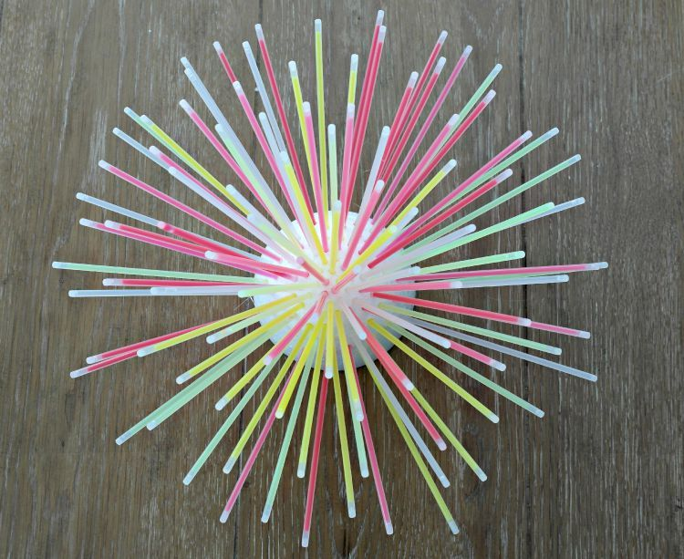 Diy Glow Stick Centerpiece Fun Idea Darice Glow Birthday Party Glow In Dark Party Glow Birthday