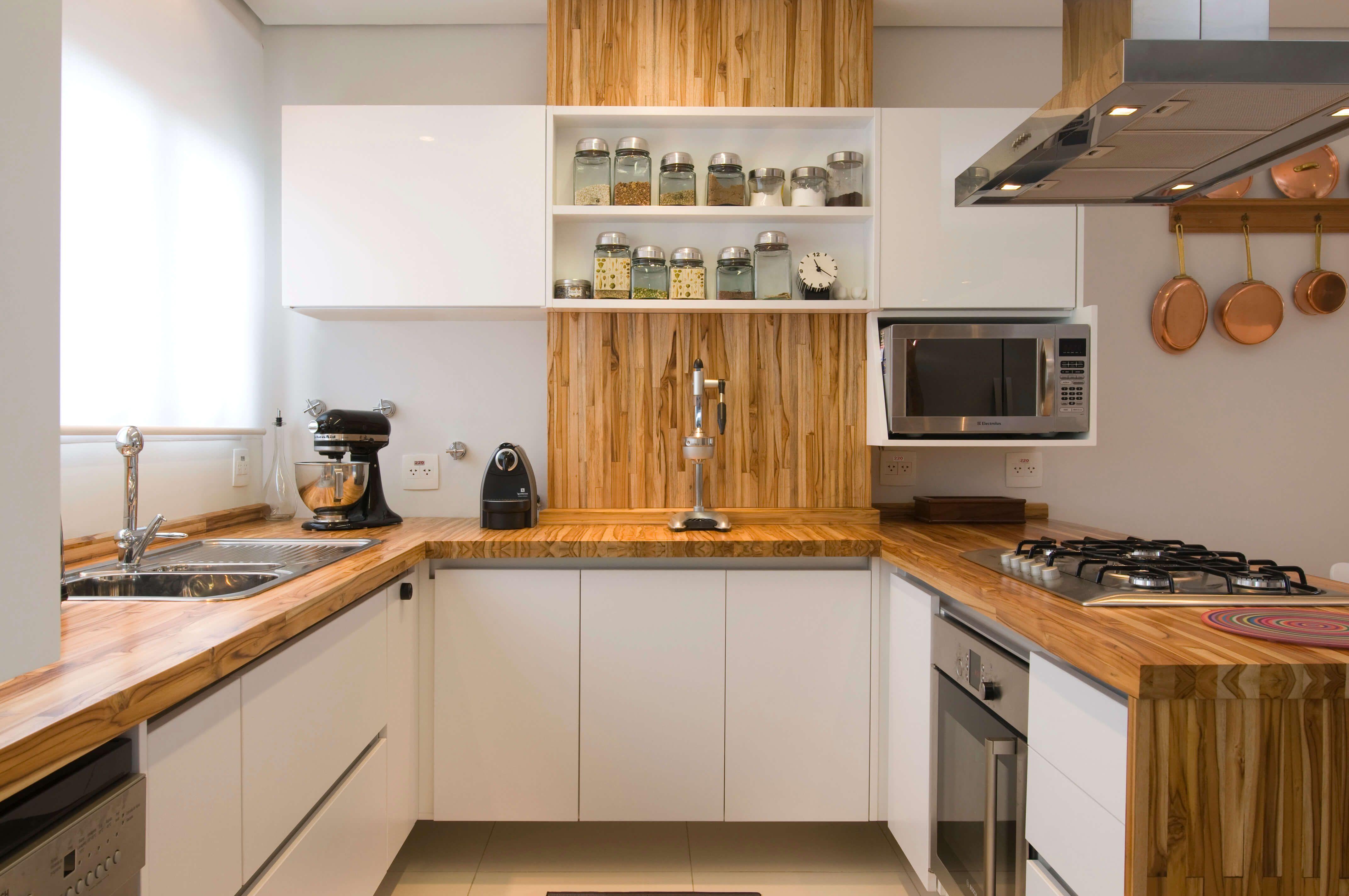 Cozinhas Modernas 8 Dicas E 40 Imagens Para Te Inspirar  ~ Banqueta Inox Para Cozinha Acozinha Com Cooktop Branco