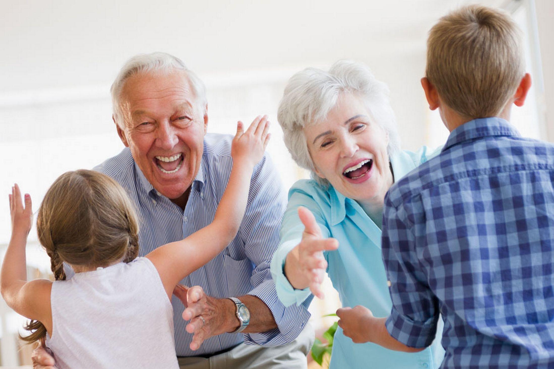 Risultati immagini per grand parent enfant
