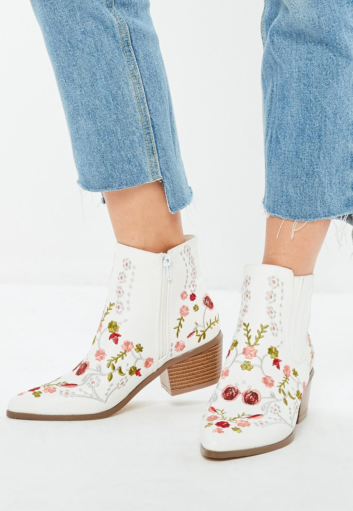 White Floral Embroidered Western Boots Missguided