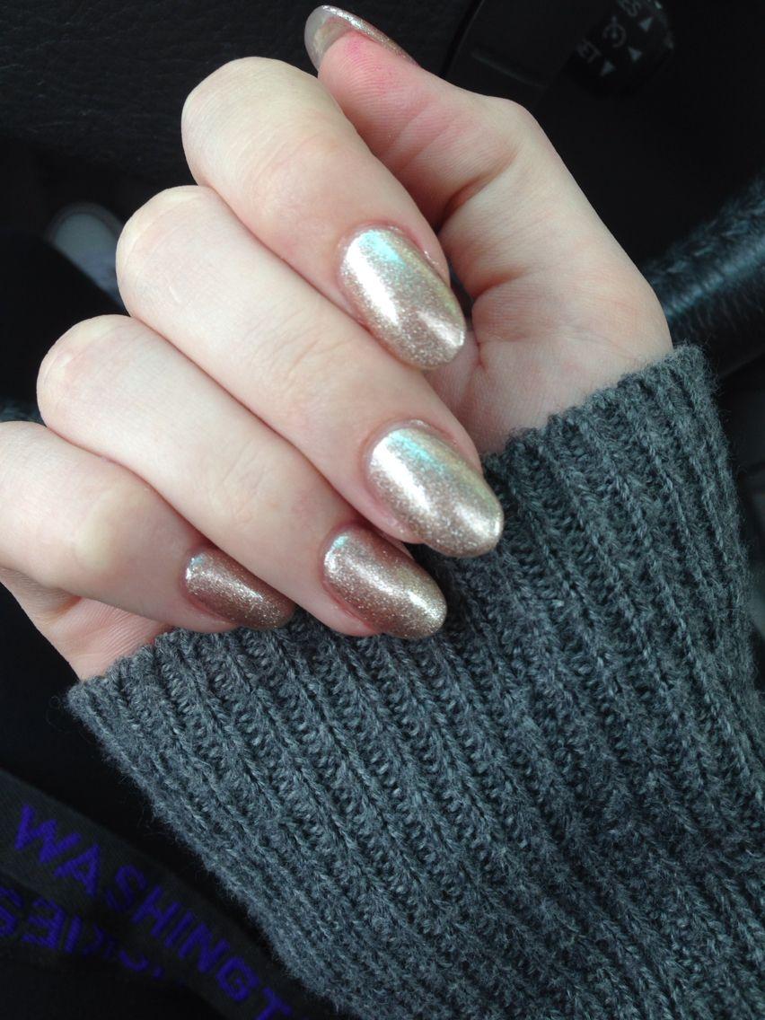 Gold Oval Acrylics Oval Acrylic Nails Gold Acrylic Nails Crazy Nails