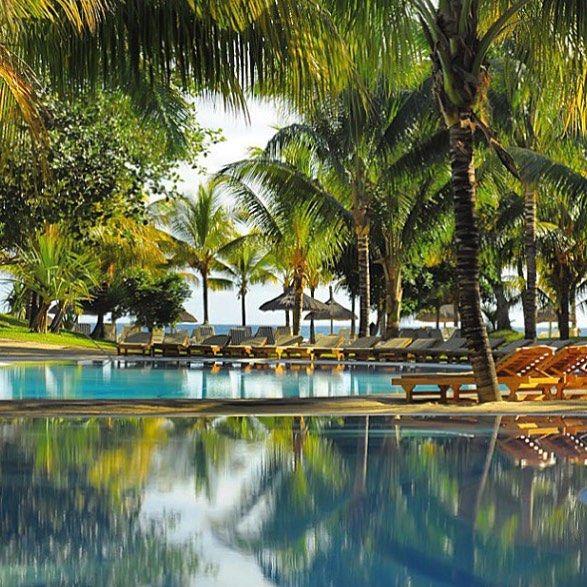 Sweet dreams  Porque não só de cor rosa são os sonhos desejo-vos Sonhos felizes e azuis @ Le Canonnier #mauritius #mauricias #beachcomberhotels #lecanonnier #dreamhotels  #hotels #luxuryhotels  #luxurytravel  #travel  #traveller  #viajar  #viagens  #igtravel #wanderlust #instatravel #traveljournalist  #boho #lifestyle #carasviagens #lifestyleblogger #carasblogsportugal #travelblogger #carasblogs #turistaAcidental #moroccoportfolio #boutiquehotels #cityguides  http://ift.tt/1GvvvbN…
