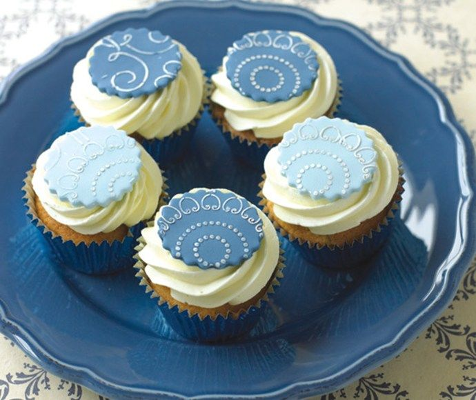 Wunderbar Stencilled Cupcake Toppers