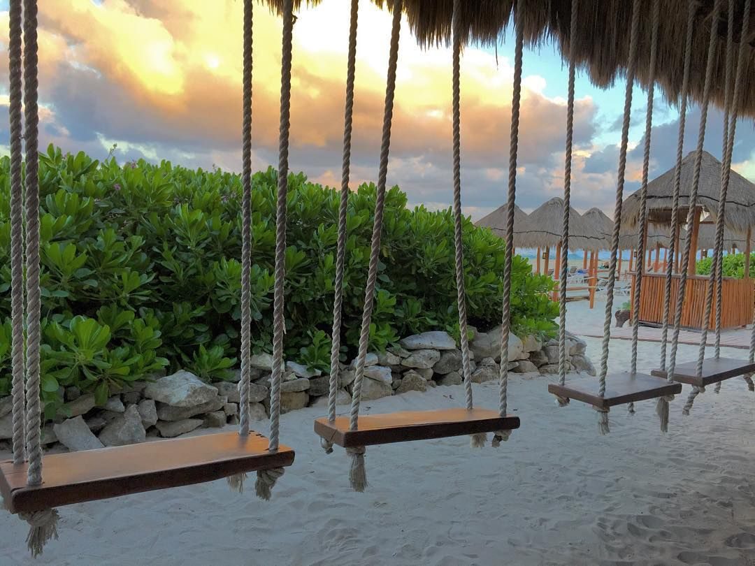 swing up bar at the valentin imperial maya in cancun