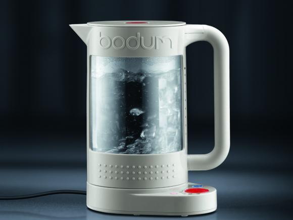 Bodum Wasserkocher wasserkocher aus edelstahl glas und in farbe