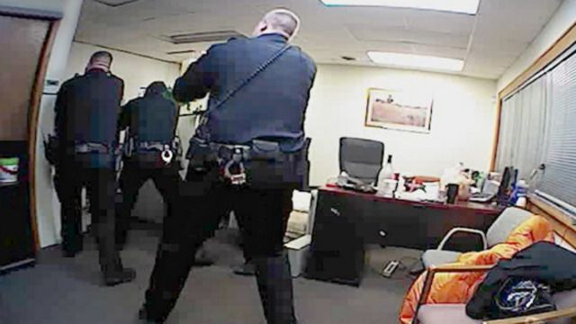 Video Released In Fatal Minnesota Police Shooting Officer Com Police Anoka County Duluth Mn