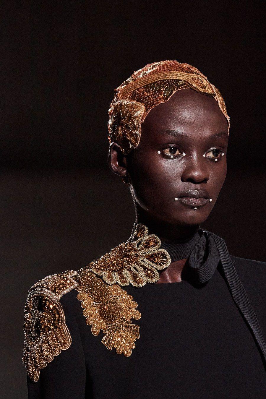 Dries Van Noten Spring 2020 Ready-to-Wear Fashion Show #runwaydetails