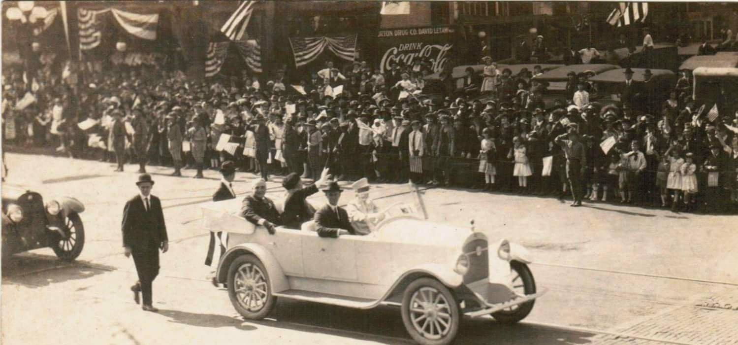 Secret Service protecting President Harding (With images