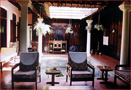 Kerala central courtyard menlo park pinterest for Kerala traditional house plans with courtyard