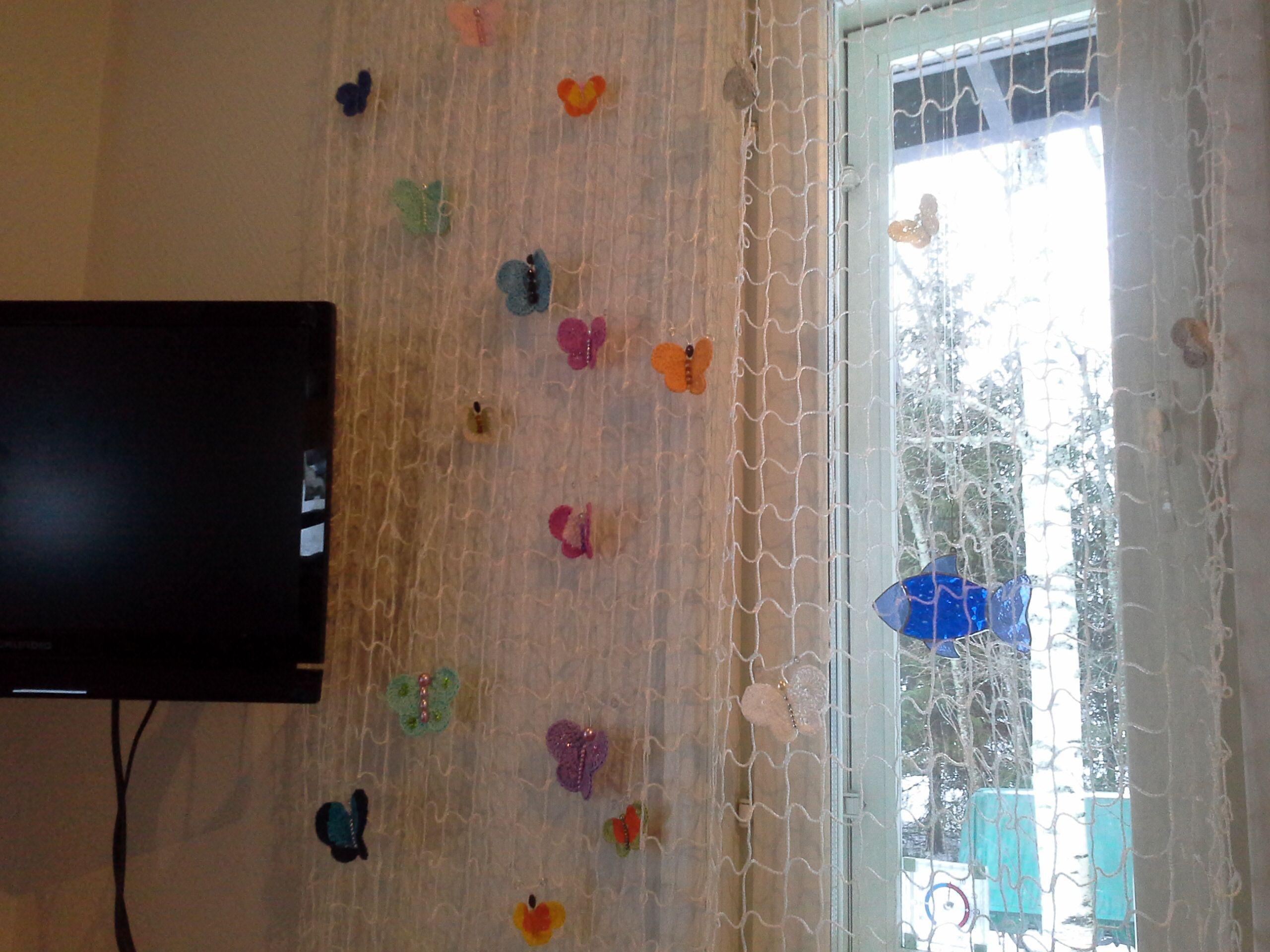 verkosta ja virkatuista perhosista verho