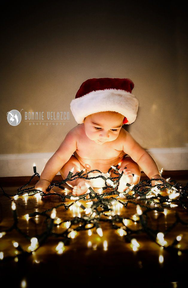 Baby Portrait Ideas Zu Weihnachten Mit Lichterkette Fotoideen  - Baby With Christmas Lights
