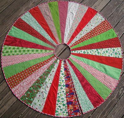 Giant Christmas Tree Skirt Quilt Pattern | Tree skirts, Christmas ... : quilted tree skirt patterns - Adamdwight.com