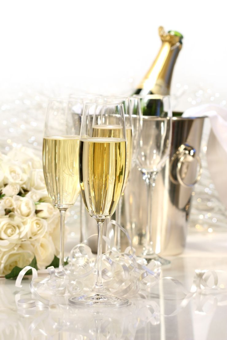 Having An Open Bar At A Wedding Can Be Costly Learn How To Calculate The Average Cost Of