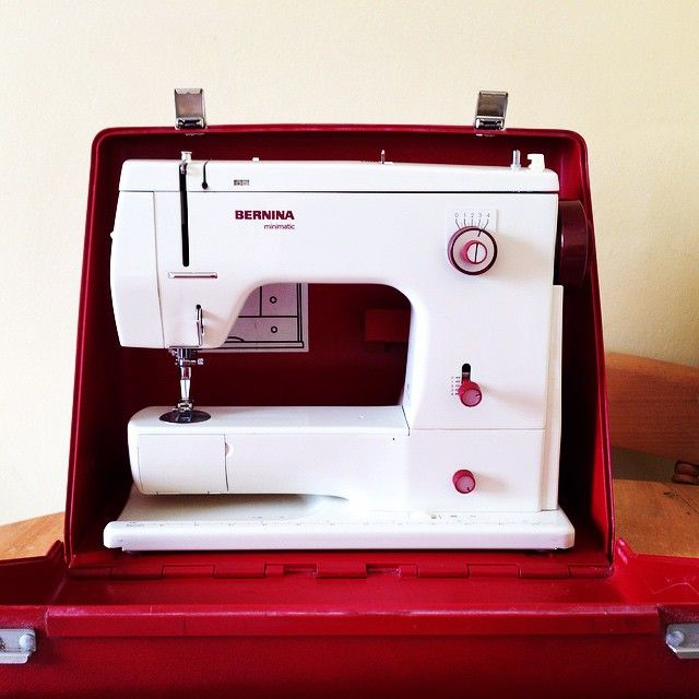 A Retro BERNINA 40 BERNINA Love Pinterest Vintage Sewing Adorable Bernina 807 Sewing Machine