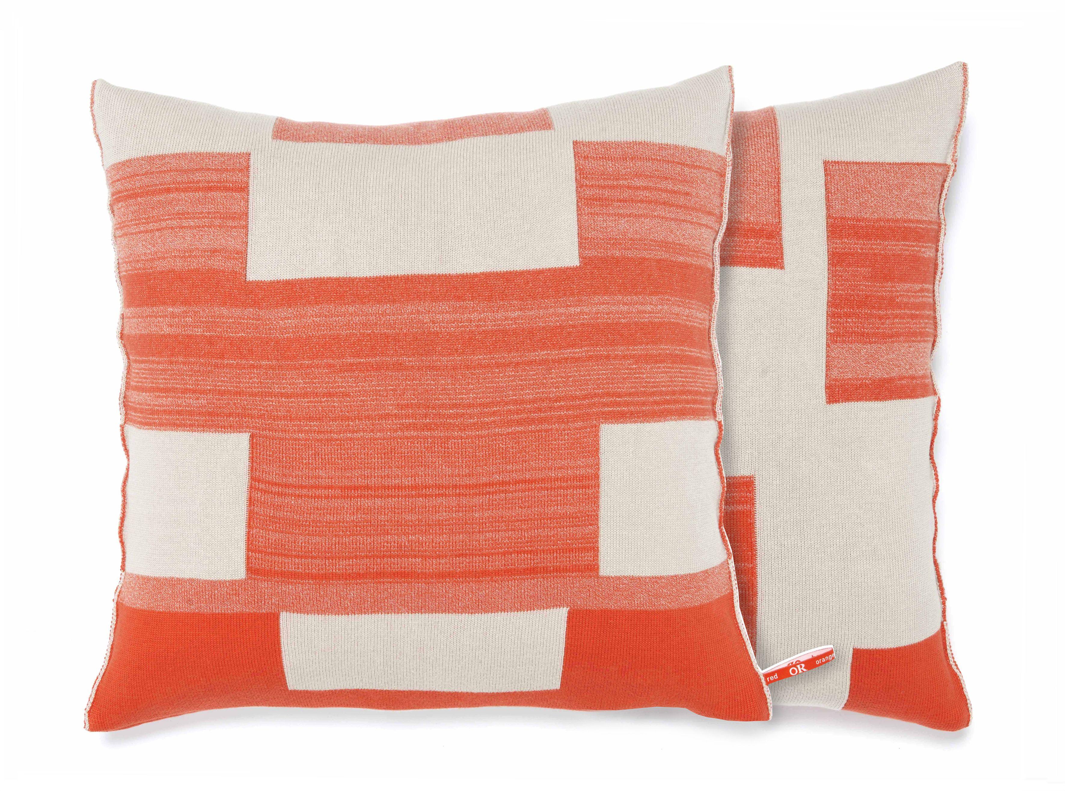 Orange or red blocks kussens prachtig gebreid uit organisch