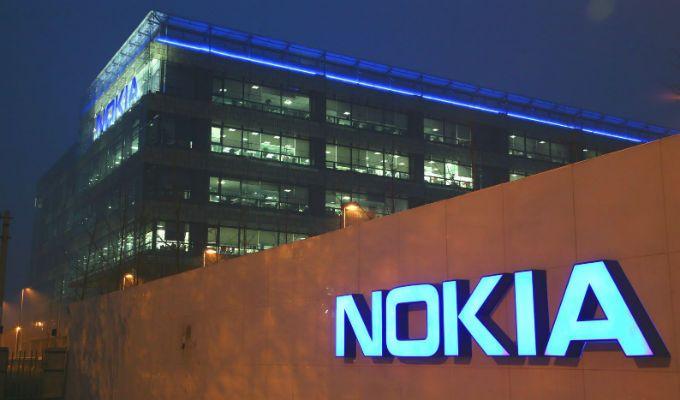 Se filtran imágenes del primer smartphone de Nokia con Windows Phone 8 on http://conecti.ca
