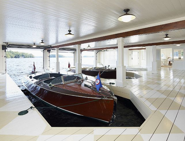 Boathouse In The House!!! With Garage Doors!! And Harlequin