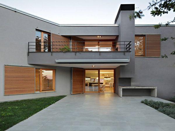 Balcon casa moderna fachadas casa pinterest fachadas for Fachada de casas modernas con balcon