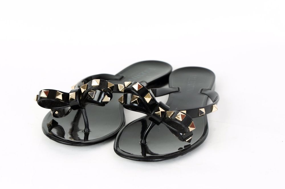 336bd90c0 Valentino Garavani Black Rockstud Jelly Bow Flip Flop Sandals Size 36   fashion  clothing