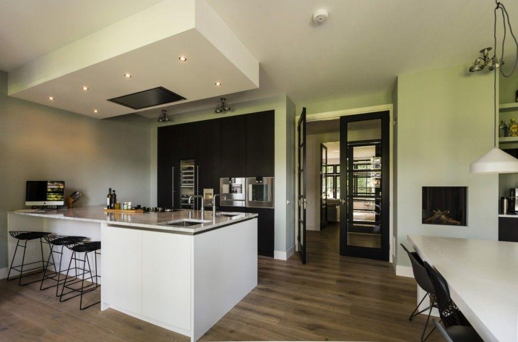 5. modern vormgegeven keuken twee onder een kapwoning te zeist