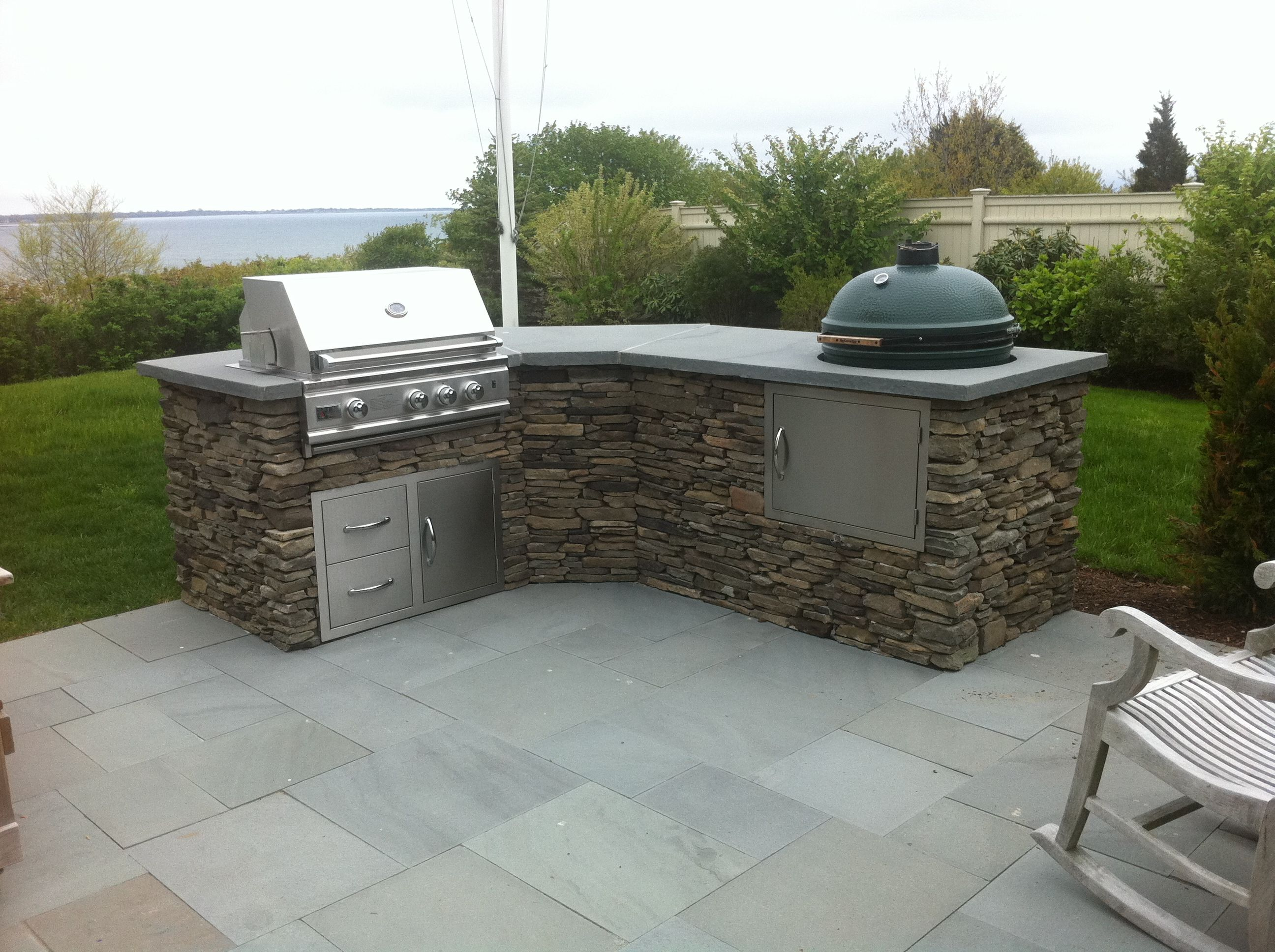 tranquil lowes small outdoor kitchen with big green egg | bar in