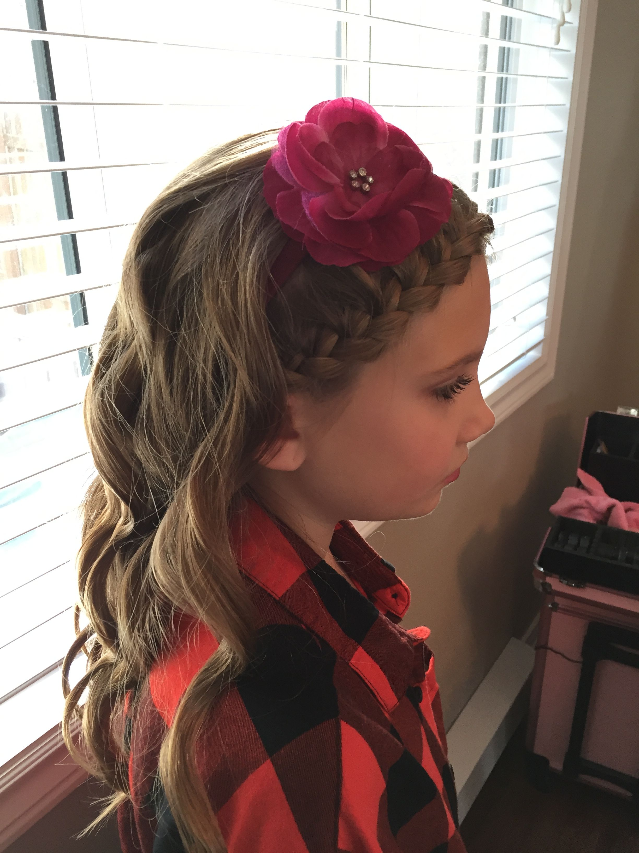 Junior bridesmaid hairstyle   Junior bridesmaid hair, Hair ...