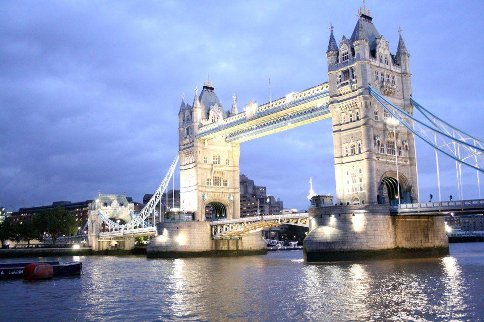 Voli low cost per prenotare una vacanza a Londra! Per tutte le ...