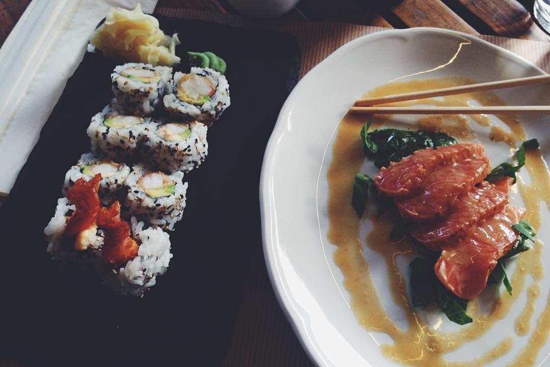 Μικρές απολαύσεις να έχει η μέρα σου  #sushi #sushilovers #salmon #tataki #foodie #foodlovers #athens #greece #vsco #vscocam #vscogreece by anastasiakostakou